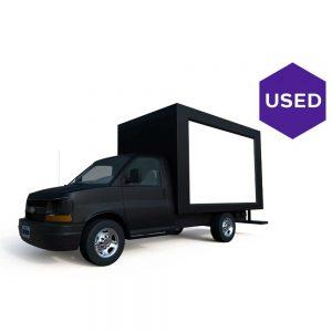 Lime-Media-Used-2016-Chevrolet-23-ft-LED-Truck-E3500